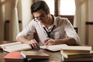 How to Get the Best Academic Essay Writer
